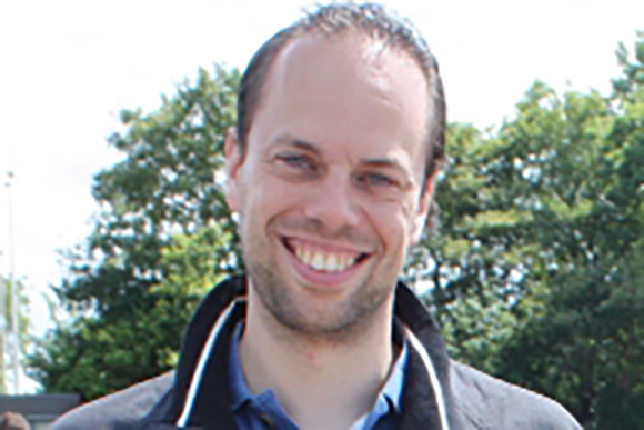 Alexander van der Horst, assistant professor of physics