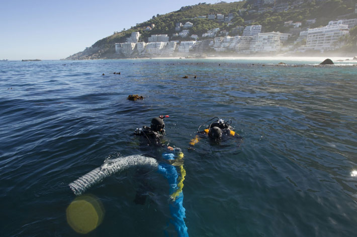 Maritime archaeologists dive at the site of the São José shipwreck near the Cape of Good Hope in South Africa. GW Professor Step